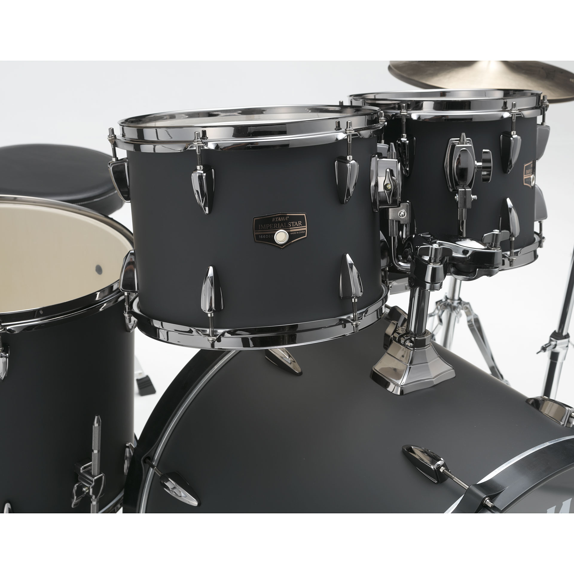 Tama imperialstar 22 blacked out black 10095162 drum kit for Classic house drums